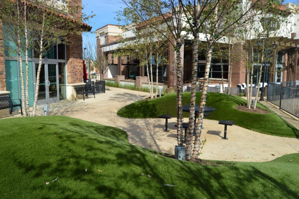 Highlands Plaza Turf